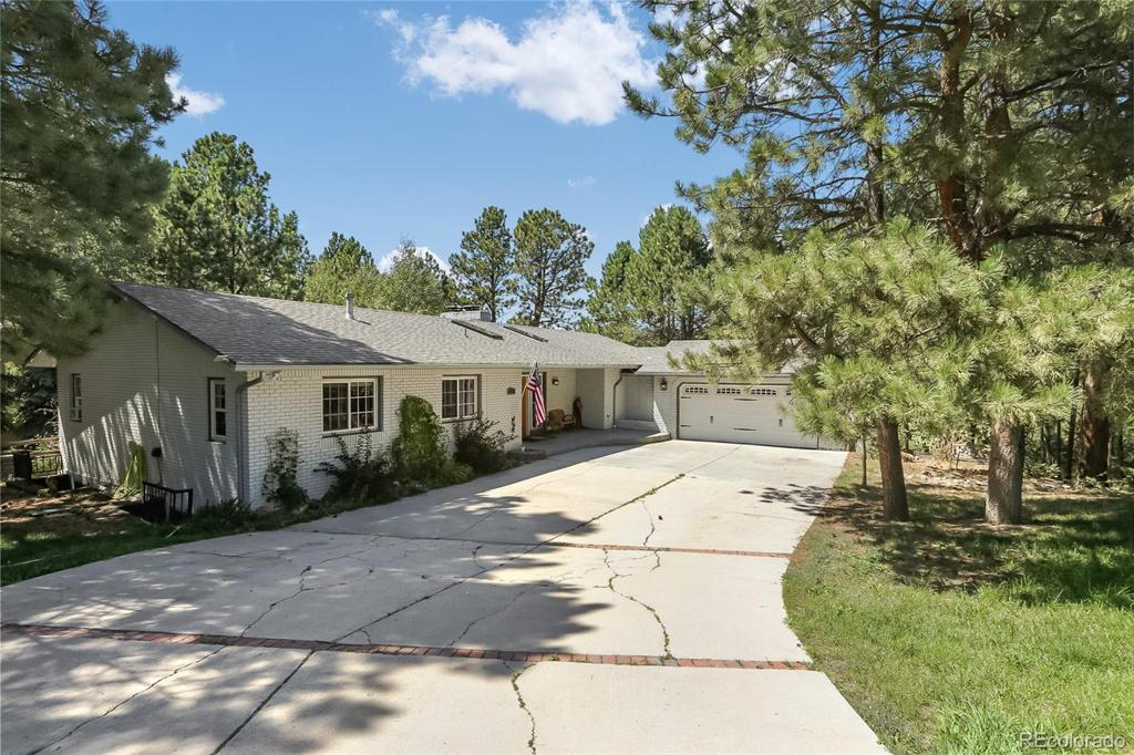 Photo of home for sale at 18410 Lazy Summer Way, Monument CO