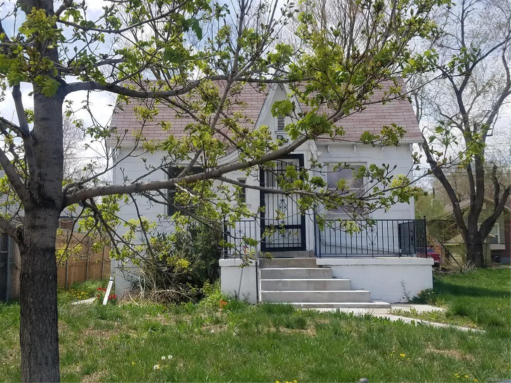 Photo of home for sale at 1711 Williams Street S, Denver CO