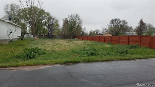 Photo of home for sale at 1856 Mary Avenue, Fort Lupton CO