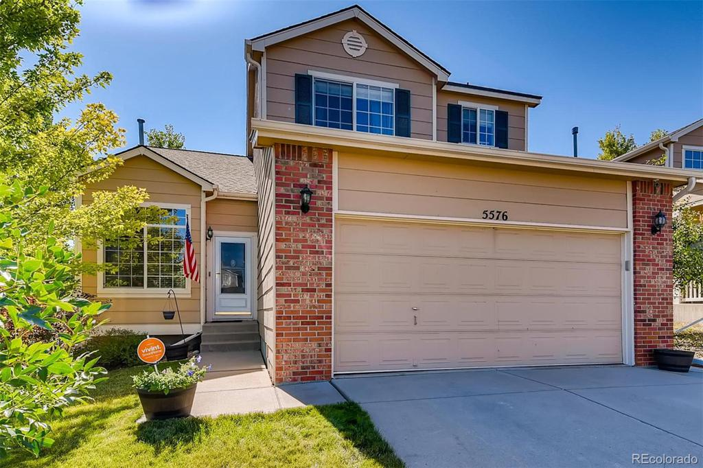 Photo of home for sale at 5576 Valdai Street S, Aurora CO