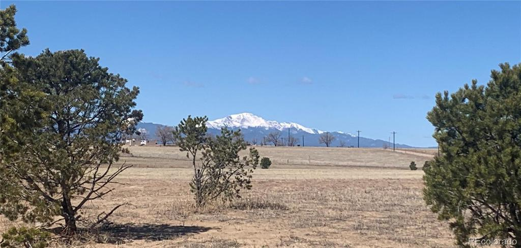 Photo of home for sale at 20227 Silverado Hill Loop, Colorado Springs CO