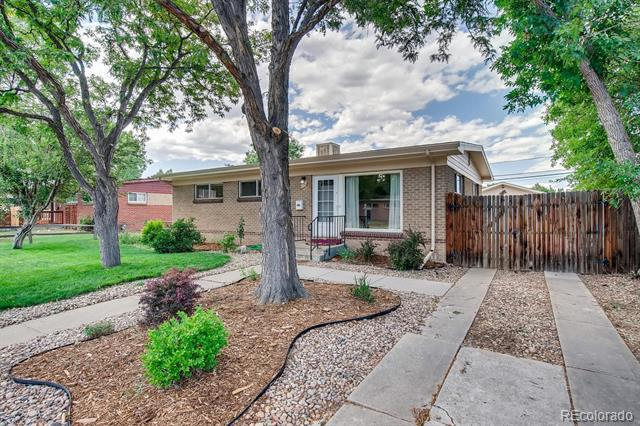Photo of home for sale at 9725 57th Place W, Arvada CO