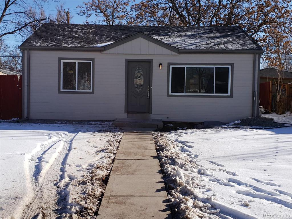 Photo of home for sale at 1640 Moline Street, Aurora CO