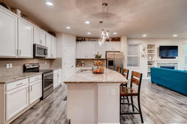 Photo of home for sale at 1390 Coolidge Circle South, Aurora CO