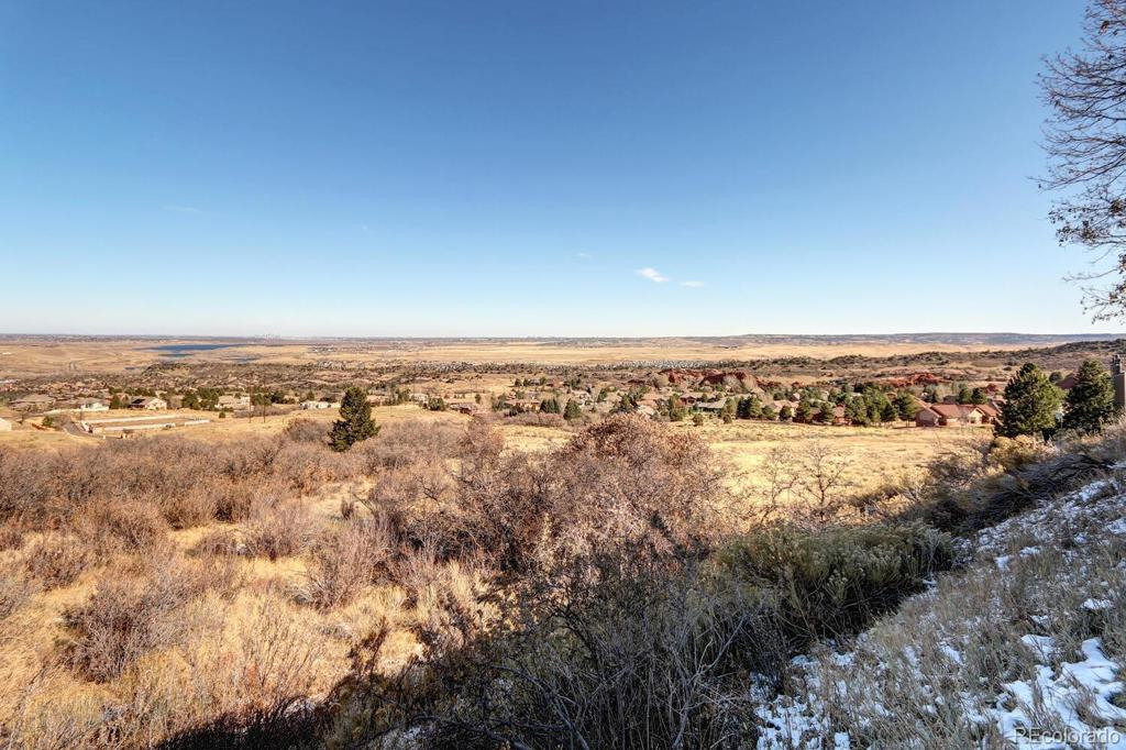 Photo of home for sale at 6980 Fargo Trail, Littleton CO