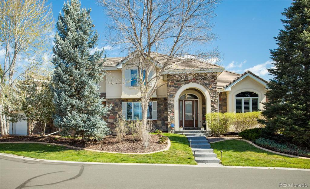 Photo of home for sale at 4 Arabian Place, Littleton CO