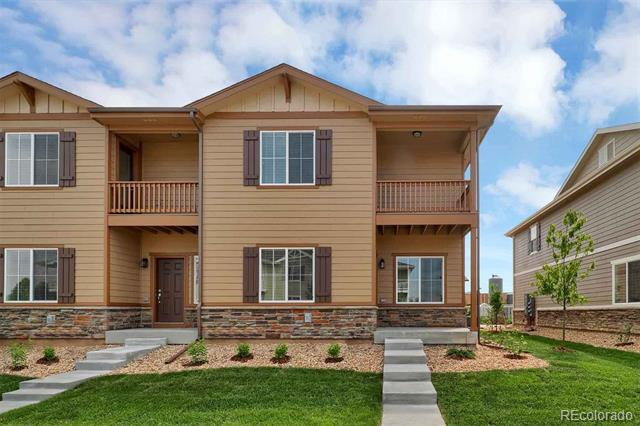 Photo of home for sale at 1523 Kansas Avenue, Longmont CO
