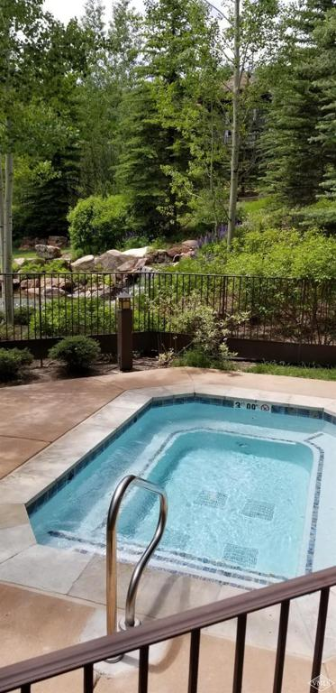 Photo of home for sale at 1087 Bachelor Ridge, Avon CO