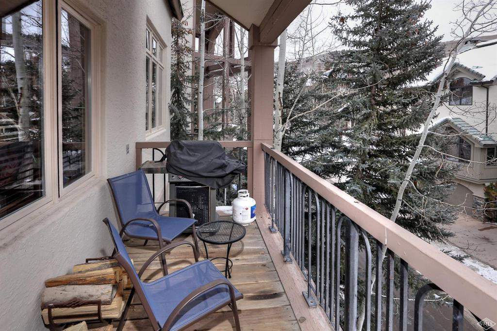 Photo of home for sale at 32 Highlands Lane, Beaver Creek CO
