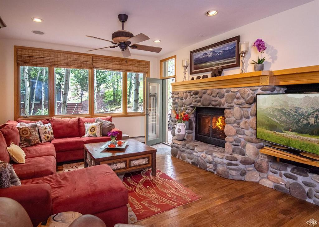 Photo of home for sale at 15 Highland Lane, Avon CO