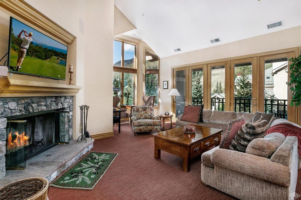 Photo of home for sale at 26 Avondale Lane Lane, Beaver Creek CO