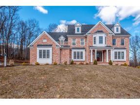 Property for sale at 32 Scarborough Drive, Avon,  Connecticut 06001