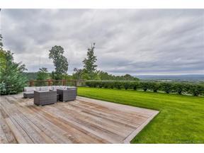 Property for sale at 16 Pilgrim Path, Farmington,  Connecticut 06032
