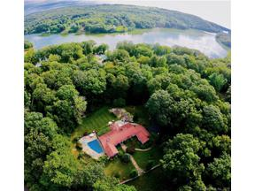 Property for sale at 17 Hidden Brook Drive, Brookfield,  Connecticut 06804