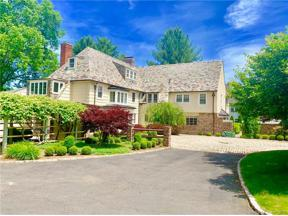 Property for sale at 8 Bassette Lane, West Hartford,  Connecticut 06117