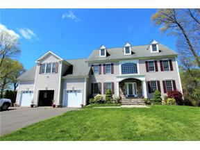 Property for sale at 125 Cedarwood Lane, Newington,  Connecticut 06111