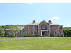 Property for sale at 24 Hunting Ridge Drive, Simsbury,  Connecticut 06070