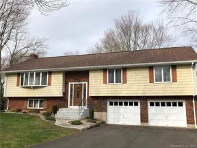 Property for sale at 31 Carriage Hill Drive, Wethersfield,  Connecticut 06109