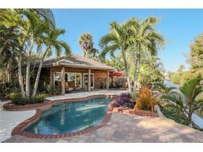 Property for sale at 130 Island Circle, Sarasota,  Florida 34242