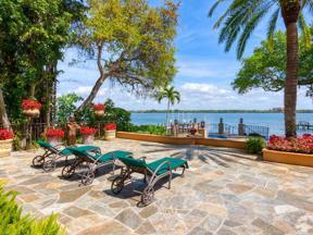 Property for sale at 8423 Midnight Pass Road, Sarasota,  Florida 34242