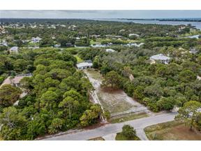 Property for sale at 1628 Bayshore Drive, Englewood,  Florida 34223