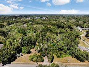 Property for sale at 304 E Lumsden Road, Brandon,  Florida 33511
