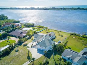 Property for sale at 1285 Bayshore Drive, Englewood,  Florida 34223
