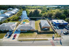 Property for sale at 820 Colonia Lane E, Nokomis,  Florida 34275