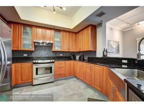 Property for sale at 2609 NE 14th Ave Unit: 505, Wilton Manors,  Florida 33334
