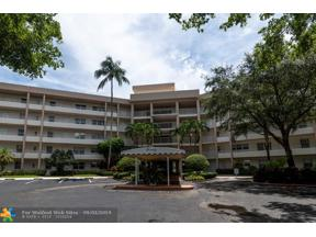Property for sale at 3800 Oaks Clubhouse Dr Unit: 312, Pompano Beach,  Florida 33069