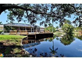 Property for sale at 4020 S Hiatus Rd, Davie,  Florida 33330