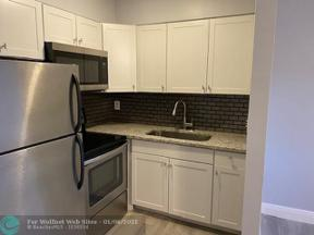Property for sale at 704 NE 23rd Dr Unit: 2, Wilton Manors,  Florida 33305