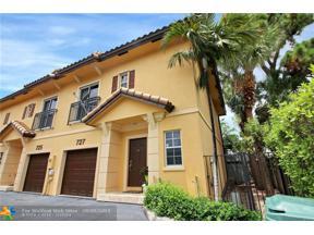 Property for sale at 727 NE 43rd St Unit: 727, Oakland Park,  Florida 33334