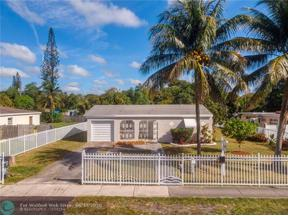 Property for sale at 951 NE 139th St, North Miami,  Florida 33161