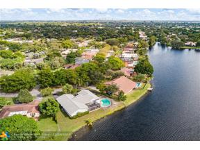 Property for sale at 1581 SW 71st Ave, Plantation,  Florida 33317