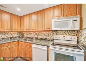Property for sale at 124 NE 19th Ct Unit: 103B, Wilton Manors,  Florida 33305