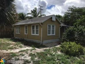 Property for sale at 1077 NE 38th St, Oakland Park,  Florida 33334