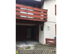 Property for sale at 2105 N 19th Ave, Hollywood,  Florida 33020