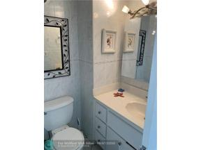 Property for sale at 2899 Collins Ave Unit: 823, Miami Beach,  Florida 33140