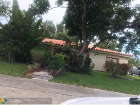 Property for sale at 1649 NE 171st St, North Miami Beach,  Florida 33162