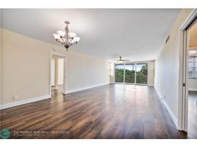 Property for sale at 3520 Oaks Way Unit: 309, Pompano Beach,  Florida 33069