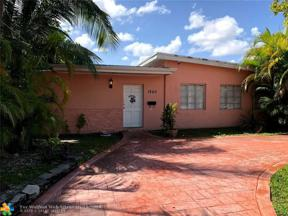 Property for sale at 1940 N Hibiscus Dr, North Miami,  Florida 33181