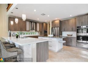 Property for sale at 10461 N Lake Vista Cir, Davie,  Florida 33328