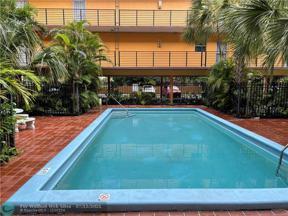 Property for sale at 365 NE 125th St Unit: 402, North Miami,  Florida 33161