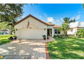 Property for sale at 2823 Oakleigh Ln, Davie,  Florida 33328
