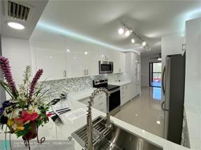 Property for sale at 7483 Fairfax Dr Unit: 314, Tamarac,  Florida 33321
