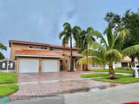 Property for sale at 2421 NE 48th St, Lighthouse Point,  Florida 33064