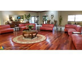 Property for sale at 322 Fairway Cir, Weston,  Florida 33326