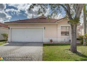 Property for sale at 122 Gables Blvd, Weston,  Florida 33326