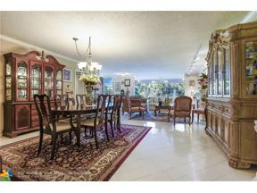 Property for sale at 3960 Oaks Clubhouse Drive Unit: 207, Pompano Beach,  Florida 33069